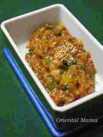 もともと味噌は麹菌が使われているので、塩麹との相性がバッチリなんです。 蒸し焼きにしたチキンや焼き魚にのせていただだくだけの簡単レシピも叶います。