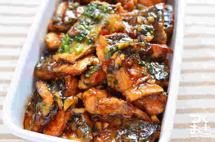 作り置きが出来るのが嬉しい、サバを使った常備菜です。ピリ辛とにんにくのパンチが効きます!ご飯もススみますね。