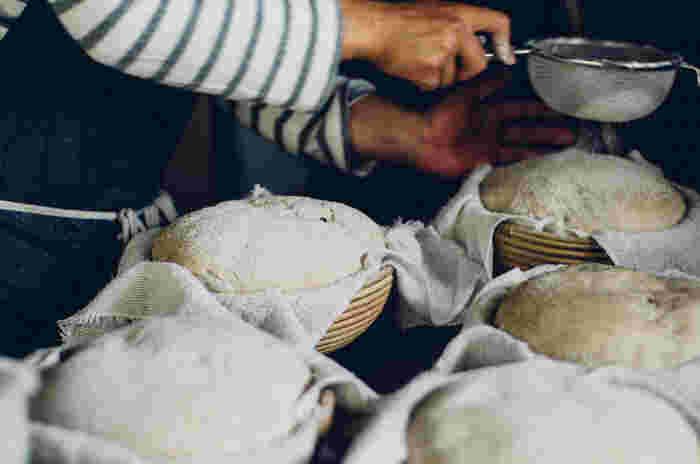 わざわざのパンは、とてもシンプルに作られる食事パン(画像提供:パンと日用品の店 わざわざ)
