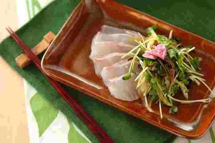 どんな魚介を、どんなソース・タレで味わうか…その組み合わせが無数に楽しめるカルパッチョ。海の幸に恵まれた日本ならではの魚介のカルパッチョを、いろいろなアイデアで食べ尽くしましょう♪