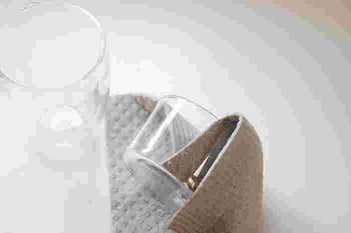 水切りカゴを使わないなら、キッチンクロスは必須アイテムですよね。 無印良品のセルロースシートは、洗い終わった食器を置くのにも、拭くのにも大活躍。厚手過ぎずほどよい柔らかさ。また、吸収力が良いので、テーブル布巾にも最適です。