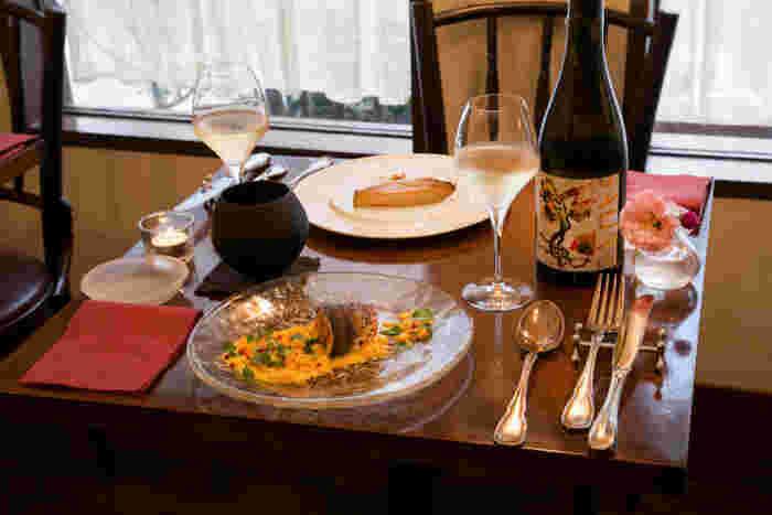 本格的なイタリアンといえばここ、「il tram (イルトラム)」。こじんまりとした居心地のいい店内で、旬の食材を活かしたディナーをいただくことができます。飾らずに、でも上質なイタリア料理が食べたいときにおすすめです。