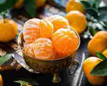 ちょっとまって!そのまま捨てるなんてとってももったいないですよ!みかんの皮や白い部分には、果実より豊富な栄養素がたくさん。
