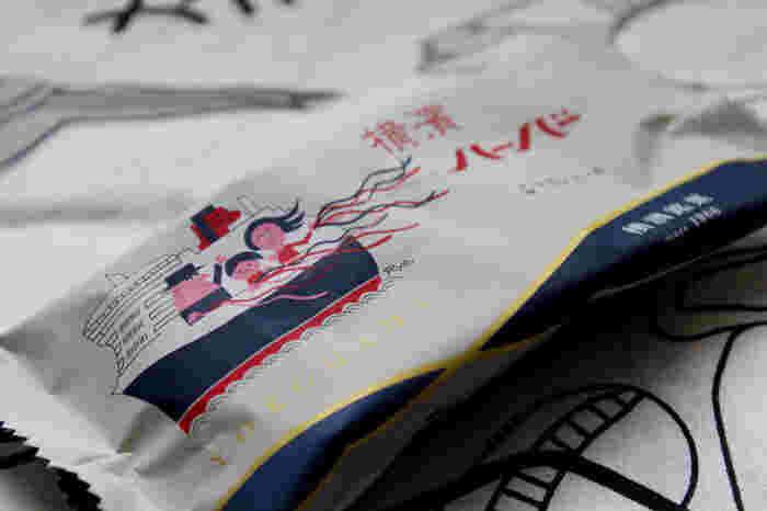 ありあけといえば、船の形の懐かしいマロンケーキが有名です。60年あまり愛され続けているレトロで可愛いパッケージは、とても愛くるしくモダンでおしゃれ。