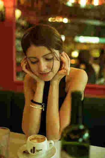 フランス人女性の美しさの秘訣。エフォートレスな《ワンポイントメイク》で魅力的に