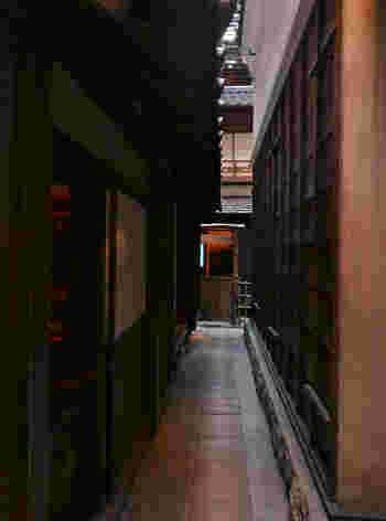 江戸時代末期、天保年間頃の深川佐賀町の町並みを想定復元した「情景再現、生活再現展示」が見どころ。実物大なので、実際に路地を歩くこともできます。