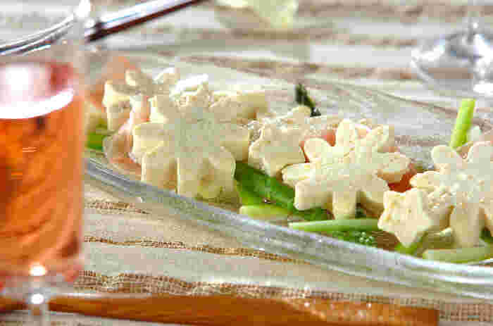 豆腐を水切りして、一晩マリネ液に漬け込むのが、美味しさの秘訣です。