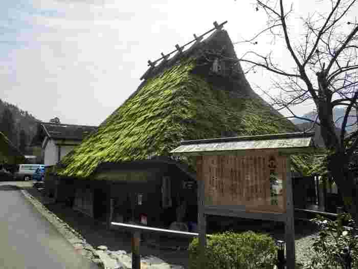 美山町の茅葺屋根の家は民宿を除き、民家のため非公開となっています。茅葺屋根の内部を知りたい人は、美山民俗資料館へ立ち寄ってみましょう。
