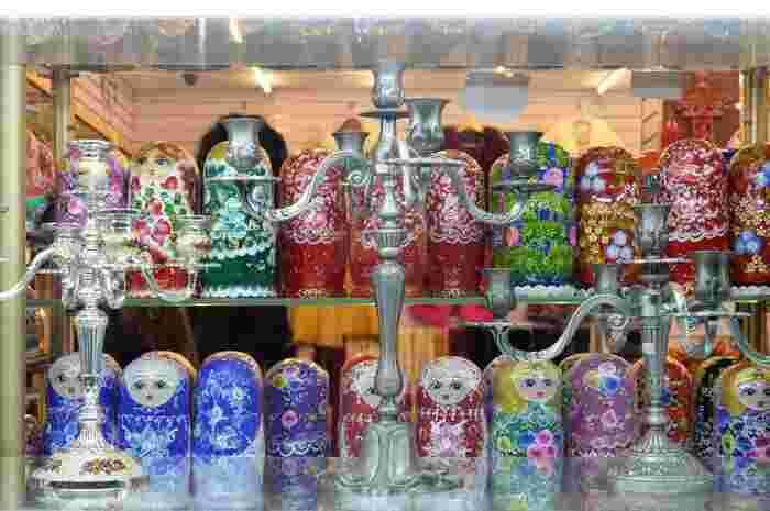 ロシアとの国境も近く、また歴史のつながりもあるハルビンでは、マトリョーシカをお土産として売っているところもあるようです。どことなく表情や柄が中国テイストなマトリョーシカは、ハルビンならではのお土産になりそうです。