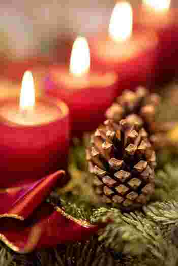 スウェーデン語でクリスマスのことを「JUL(ユール)」と言います。メリークリスマスは「GOD JUL(ゴッユール)」。クリスマスの日から4週間遡った日曜日より、クリスマスへのカウントダウンが始まります。