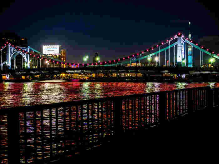 ライトアップした清洲橋と東京スカイツリー。夜の情景も素敵。
