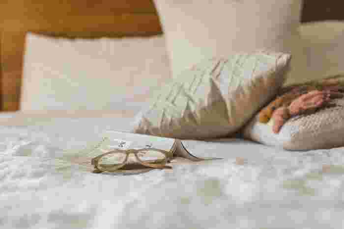 風邪を引いて咳がひどい時は、ベッドサイドでディフューザーを使うのがおすすめ。ハッカ油の爽やかな水蒸気で、喉が少し楽になりますよ。