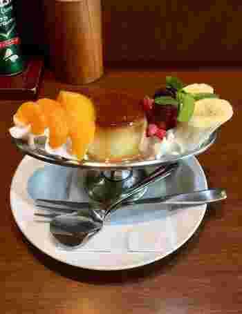 創業90年以上にもなる「じゅらく」は、上野駅前で変化する上野を長年見守り続けてきました。外観などが最近リニューアルされましたが、まさに日本の古き良き伝統が息づくファミリーレストランです。