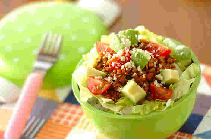 野菜がたくさん食べたい!という日のお弁当に。デトックス効果のあるアボカドはダイエットにもおすすめです。見るからにヘルシーなお弁当♪