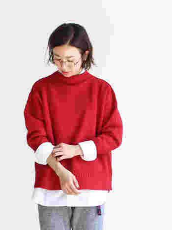 「ウール」、「カシミヤ」、「アンゴラ」などの高級感のある素材は、柔らかいので毛玉ができても自然と落ちていきます。毛玉になりにくく、デイリーユースにはおすすめの素材です。