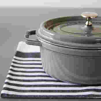 ストウブのお鍋と、それを活用したレシピなどについてご紹介しました。ひとつあればきっと料理の幅が広がるストウブのお鍋、あなたも取り入れてみませんか。