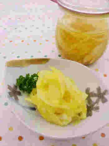 玉ねぎとカレーは、間違いのない美味しい組み合わせ!鮮やかなイエローで彩りも綺麗ですね。