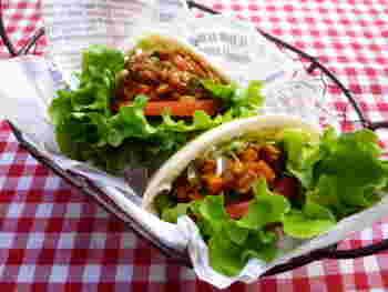 残り野菜のキーマカレーで食べ応え十分なお食事サンドに!