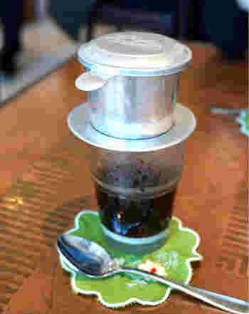 銀座店の他、新宿店・神楽坂店があり、そちらでもベトナムコーヒーを飲むことができます。