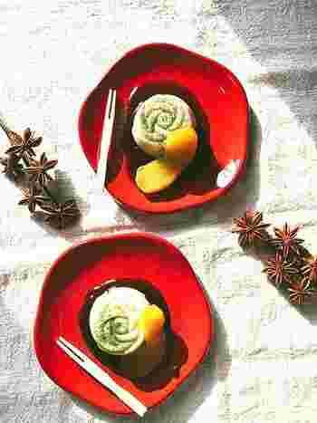 豆乳と葛粉で作るごどうふレシピ。ちょっと小腹が空いた時は、ワサビ醤油でも、黒蜜をかけて、スイーツとしても頂けるとってもヘルシーなスイーツです。