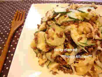 ポテトサラダというと普通マヨネーズであえるイメージがありますが、そこに焼肉のたれを投入。いつもとは違うコクのあるお味に。お弁当のおかずとしてもいけます!
