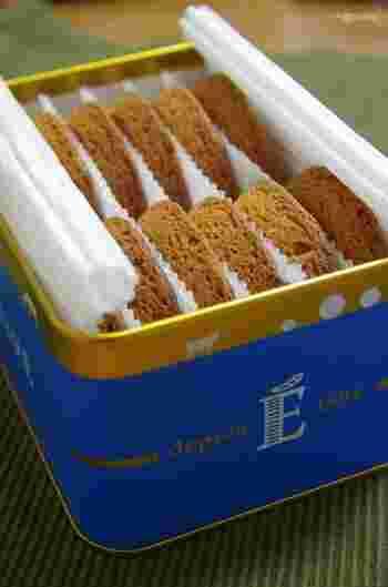 おしゃれなブルー缶にぎっしり入った「ガレット」は、エシレバターを生地に混ぜ込むことができる限界まで配合したというこだわりの焼き菓子。バターの香りが口いっぱいに広がり、とても贅沢な味わいです。