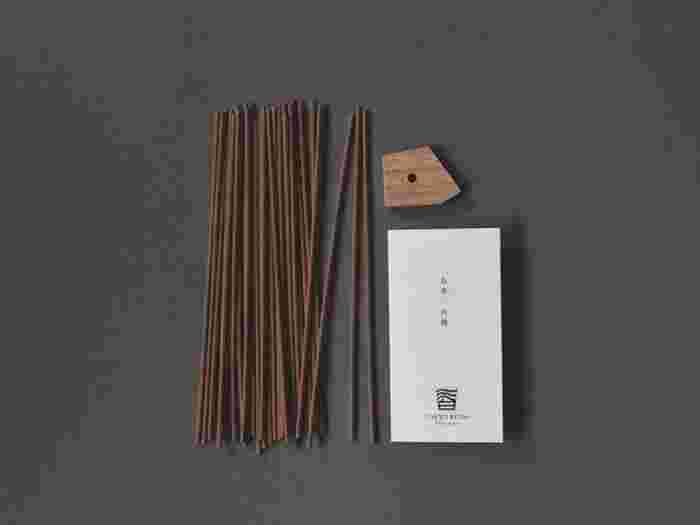 高級なお香と言えば、白檀の香りを思い浮かべる人も多いのではないでしょうか?「東京香堂」のお香は、インド産の白檀の中でも、最高級品と言われている素材をメインにブレンドしたお香です。