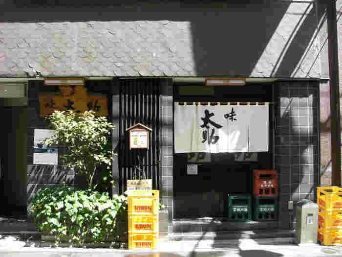 地下鉄 広瀬駅から徒歩5約分、地下鉄 勾当台公園駅から徒歩約3分の距離にある味太助(あじたすけ)の本店。冒頭で紹介した仙台牛タン発祥の店として有名です。