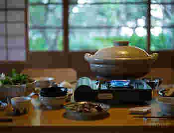 おでんやお鍋、炊き込みご飯などを作る機会が増えるこれからの季節に大活躍してくれるのが土鍋です。