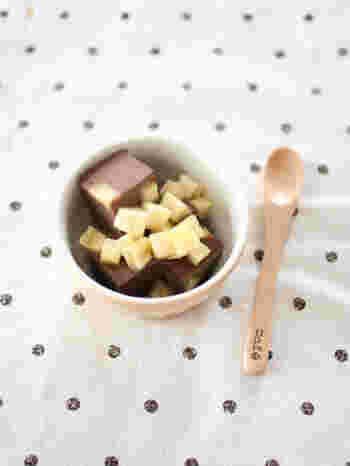 夏場に美味しいゼリー類は、ゼラチンの扱いや素材によっては固まりにくい事も。常温でも固まる寒天を使うレシピは失敗しにくく、溶けにくいのでおすすめです。