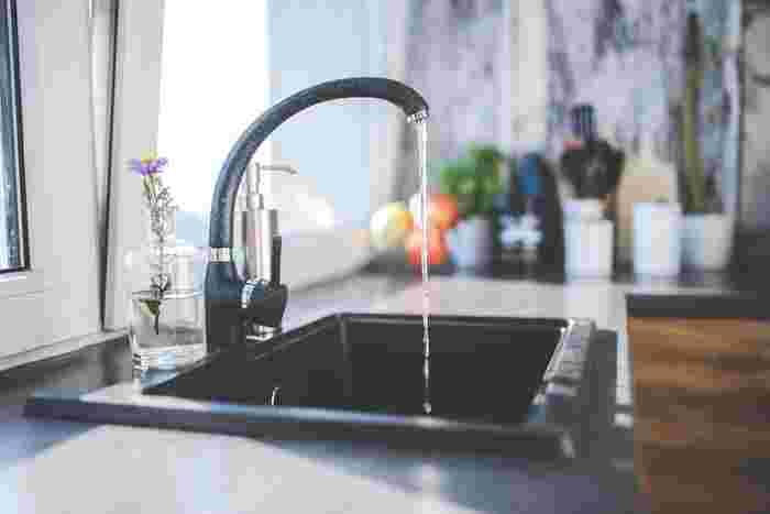気になる「水切りアイテム」は見つかりましたか?生活スタイルやキッチンスペースに合った「水切りアイテム」を見つけて、快適なキッチンライフを過ごしてくださいね。