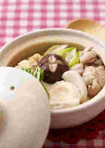 うどんはたんぱく質が豊富で、消化に良いので小さくても安心して与えられます。うどんは小さめにカットして、薄めの味付けにするといいですよ。