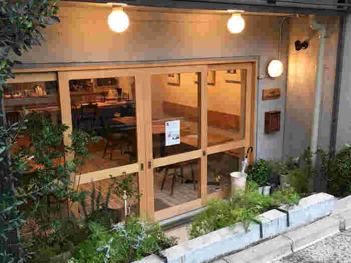 東急目黒線 不動前駅から徒歩3分の距離にある「カフェ ショコラパン」。