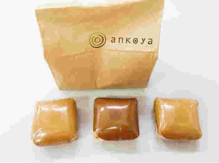 仙台の「あんこや(ankoya)」で販売されているどらやきは、珍しい四角い形カタチ。「どこから食べても同じようにあんこが口に入る」ようにという想いから、こんなカタチになったそうです。