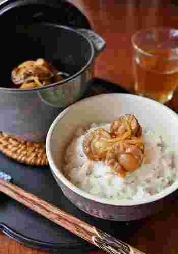 しっかりと味付けをしたホタテのしぐれ煮は、白いごはんにもぴったり。さっぱりとした生姜醤油味なので、日本酒にもよく合います。