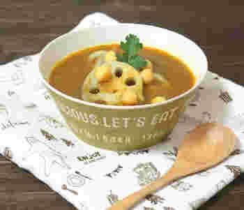 レンコンとひよこ豆をプラスして、食べ応えのあるスープに。ほくほくした食感がカレーとよく合います。