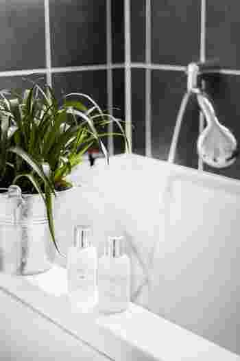 毎日お風呂に入って洗髪し、体も洗っているのに、体臭が気になるという時は、洗い方やアイテムを見直してみましょう。