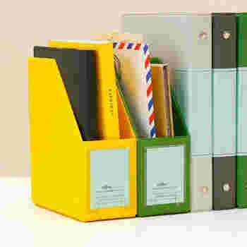 書類や封筒を一時的に収納しておくのにとっても便利です。サッと収納して、いつでもスッキリとしたデスクで作業したいですね。