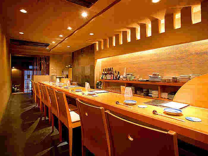 店内にはカジュアルなカウンター席やお座敷席が用意されています。お一人様でも入りやすい雰囲気なので、一人旅のランチにもおすすめですよ。