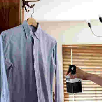 《 &SOAP/STEP BY STEP  Fabric after care anti odor liquid (ファブリックアフターケアアンチオドーリキッド)》 ファブリックスプレーは布製品の消臭や香り付けのほか、お部屋の空気をリフレッシュするなど用途も幅広いアイテム。こちらは老舗石けんメーカー木村石鹸の新ブランド「&SOAP」からリリースされた、STEP BY STEPシリーズのファブリックスプレーです。洗濯後の衣類にスプレーすると、「&SOAP」オリジナル石けんの香り付けと除菌ができます。