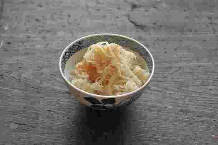 新生姜をご飯に炊き込んだ簡単レシピ。おにぎりにしてお弁当に持っていきたいレシピです。忙しくても少しだけ手間をかけて自分を癒して心も体も整えてあげましょう!
