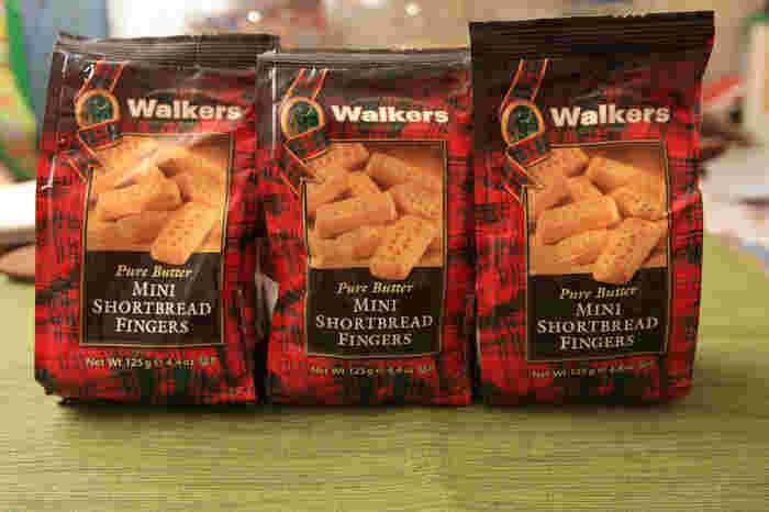 市販されているものでは、イギリス生まれの菓子メーカー、ウォーカー社(Walkers)のショートブレッドが有名です。ウォーカー社のショートブレッドは、日本でもコストコなどで購入することができます。