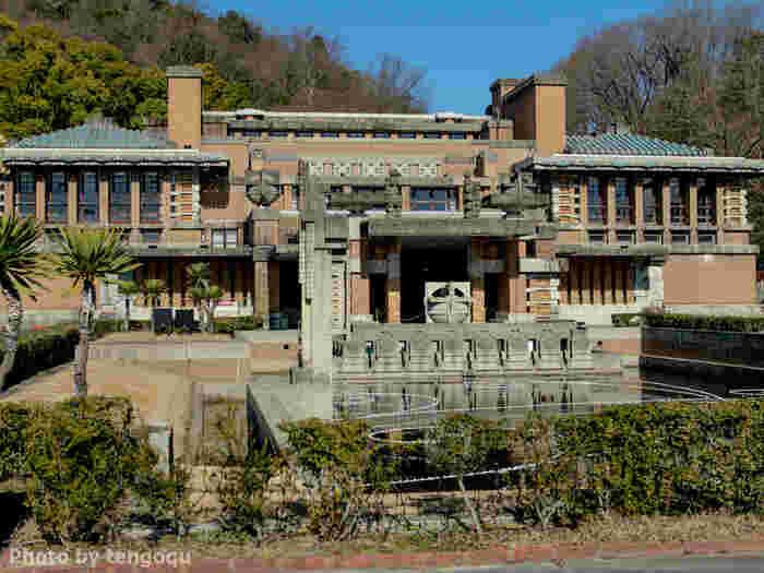 フランク・ロイド・ライト設計による「旧帝国ホテル」の建材に使われたことでも、知られています。