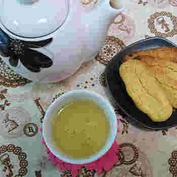 沖縄名物のちんすこうを、オーブントースターで手作り!意外と簡単でできますので、ぜひどうぞ。コーヒー・紅茶はもちろん、緑茶にも合います。