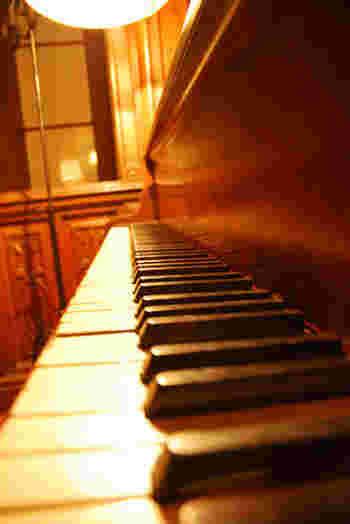 心の琴線を震わせるようなピアノ作品に出会えるって幸せですよね。ぜひ皆さんもお休みの日にゆっくり聴いてみて、新しい世界を覗いてみてくださいね。