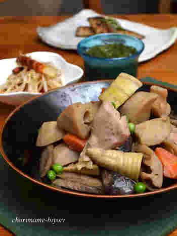 もし、今夜の献立が決まっていないなら、根菜たっぷり筑前煮で旬の味を楽しんでみませんか?