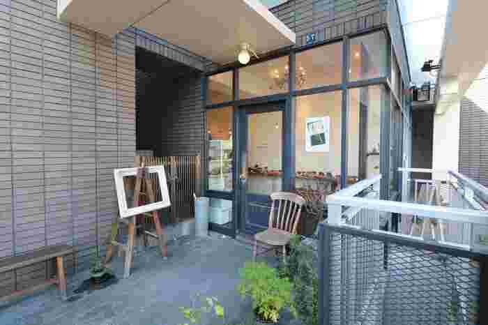 ブーランジェリー・ルマタン・ドゥ・ラヴィは、阪急電鉄「大阪梅田」駅から、阪急電鉄千里線を使って約25分で到着する「山田」駅近郊にあるパン屋さんです。