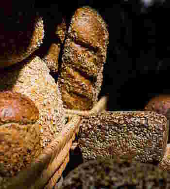 ずっしり+酸味は栄養の証。「ドイツパン」の種類とレシピ&人気店5選