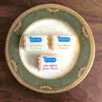 """フランス産の発酵バター""""エシレ""""を使ったお菓子を扱う、エシレ・パティスリー オ ブール。このエシレで作ったバタークリームが挟まる「サブレサンド」は、美味しいだけでなく見た目もとっても可愛いです*"""