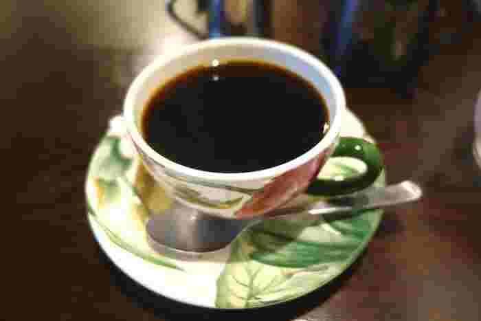 コーヒーはすべて、オーガニックの珈琲豆を自家焙煎しています。